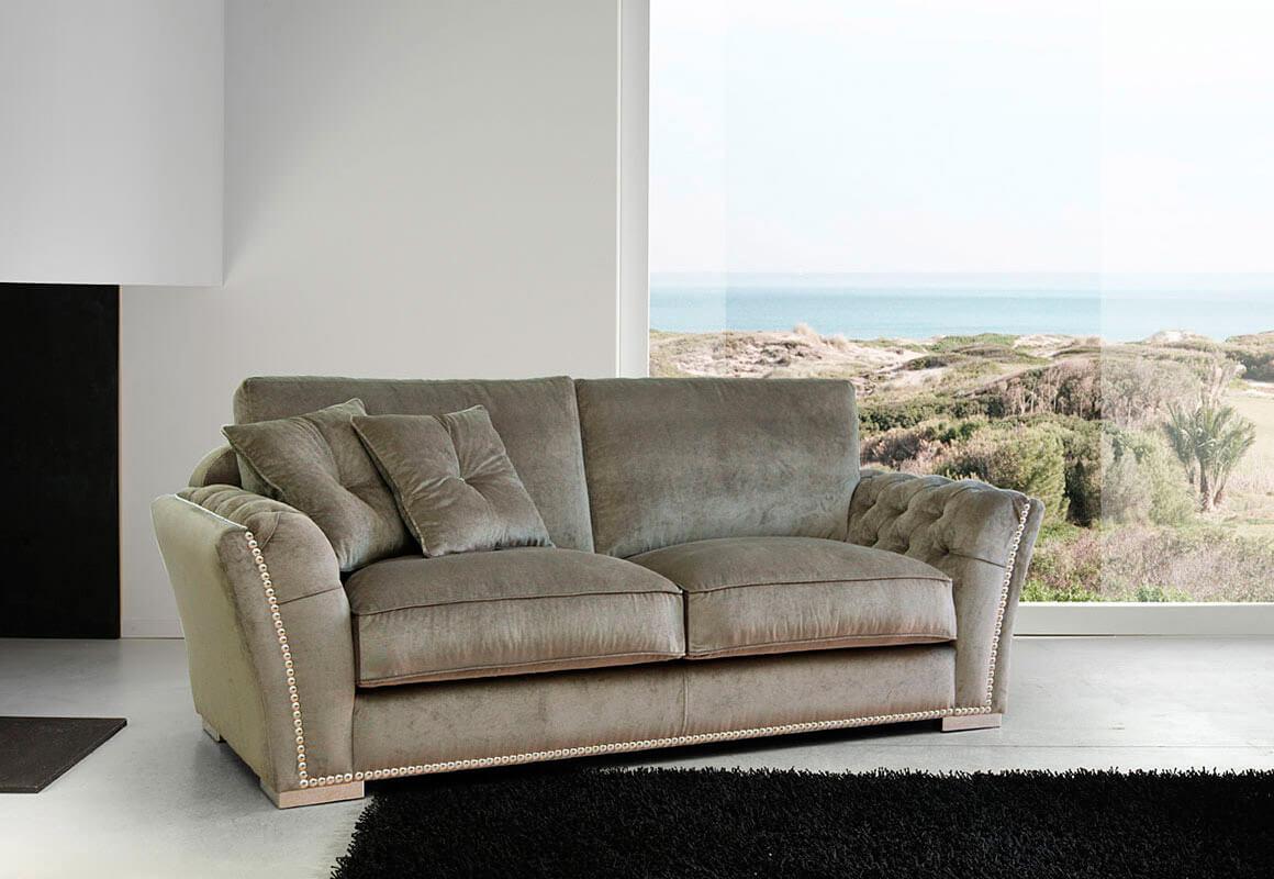 Tapicería clásica en sofá