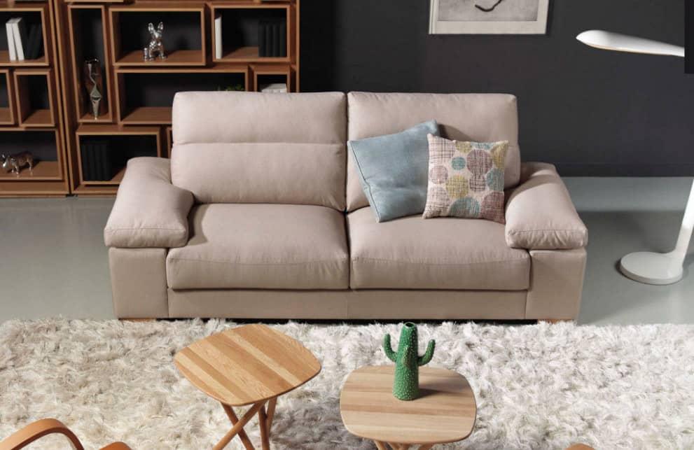 sofá tapizado moderno