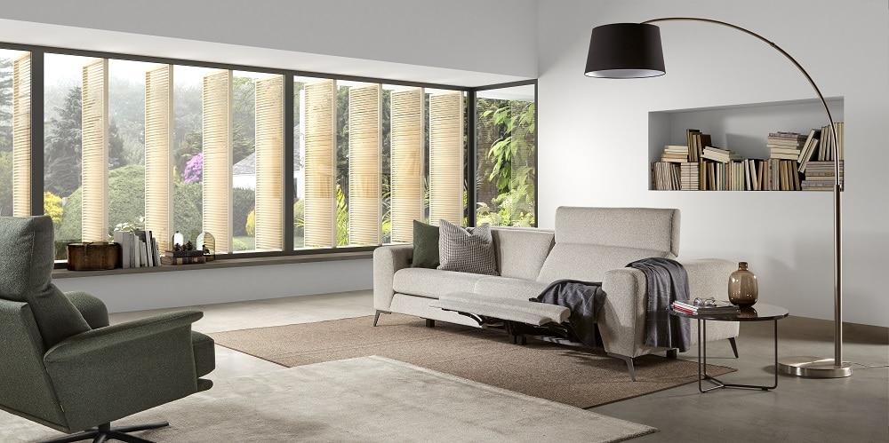 Mueble sofá clásico tapizado marrón