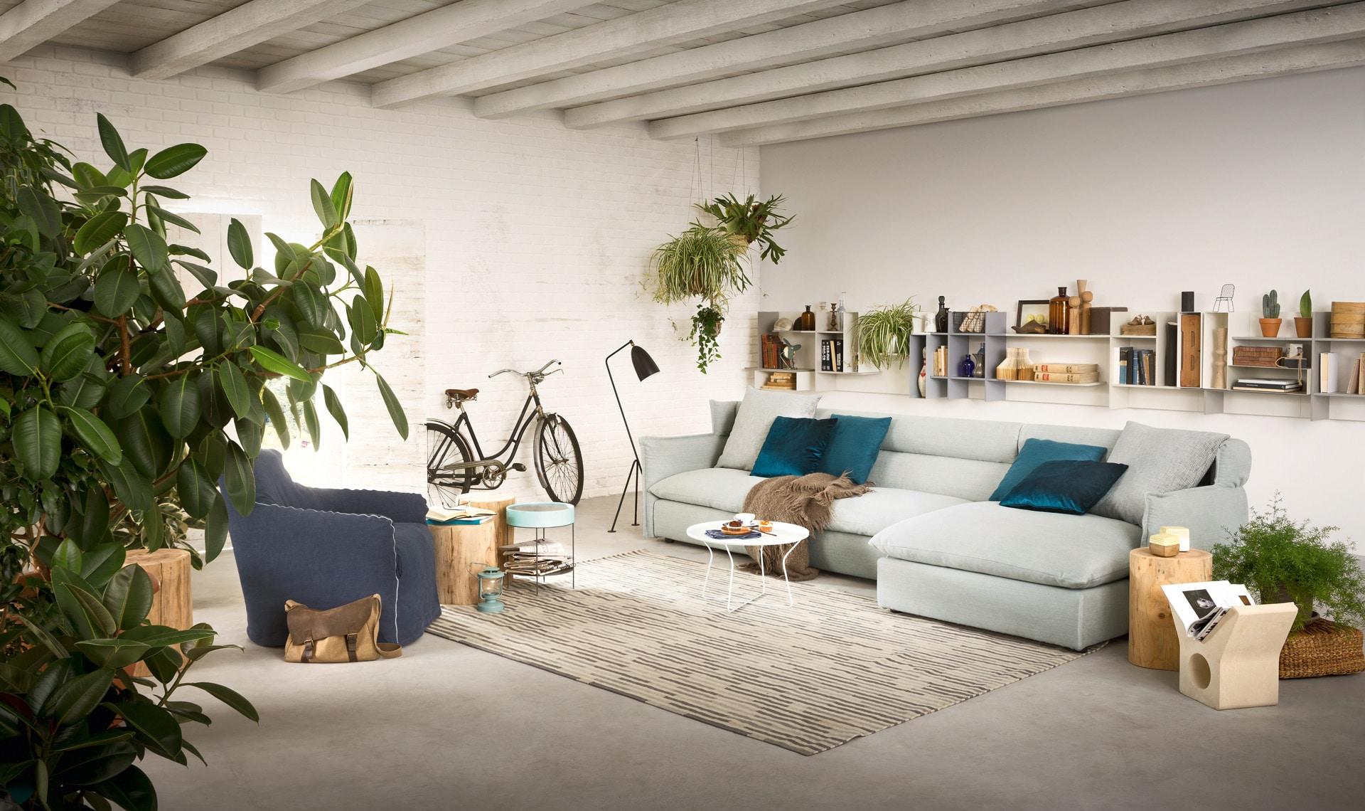 Sofá tapizado clásico azul